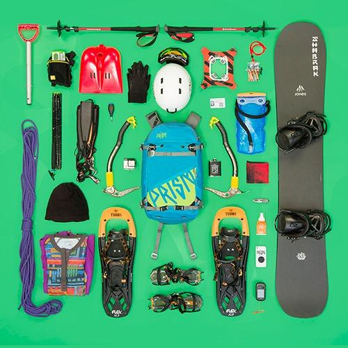 Ti22 snowboard et raquettes